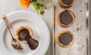 גביעי קוקוס במילוי שוקולד