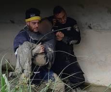 חילוץ הילד מהבוץ - בן 9 הלוקה בשכלו אותר שקוע עמוק בבוץ
