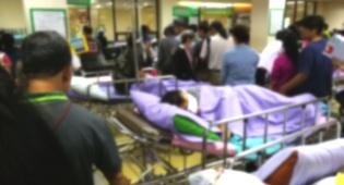 בסין. ממתינים בתור לבדיקה בבית החולים