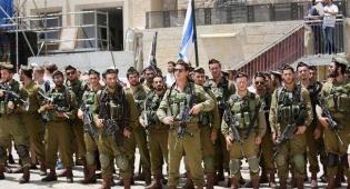 חיילים מ'נצח יהודה' בכותל המערבי