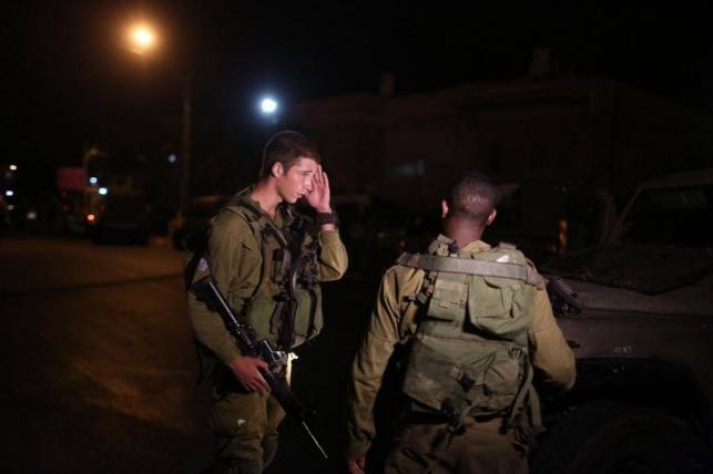 החייל שנפצע בפיגוע אמש יוכנס לניתוח בעין