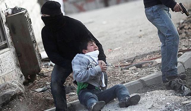 מסתערב עוצר נער פלסטיני