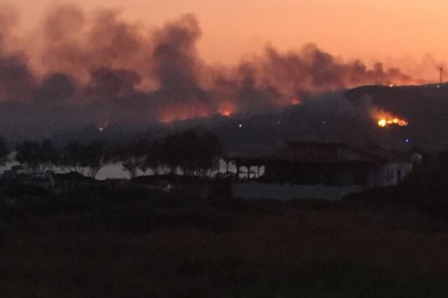 העשן והלהבות באי סאמוס