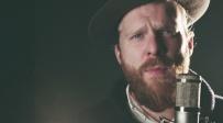 """אלכס קלייר מתארח בסינגל חדש: """"החזק מעמד"""""""