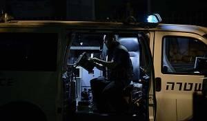 חבלן משטרה. ארכיון - בלב בני ברק: רימון הלם הונח בכניסה לבית