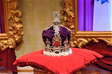 כתר האימפריה הממלכתי - המלכה חושפת: זה החיסרון היחיד בחבישת כתר