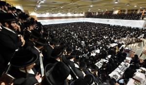 תיעוד: הסליחות בצאנז - אלפים, לפנות בוקר