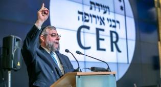 """הרב גולדשמידט בוועידה - רבה של מוסקבה: 'ארה""""ב זו חברת אבטחה?'"""