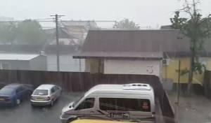 באמצע הקיץ: גשמים עזים הפתיעו את אומן