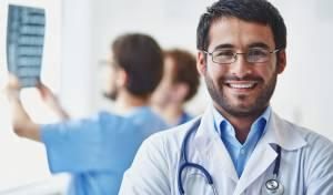"""""""אין מספיק רופאים חרדים בתוך הקהילה"""""""