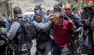 מתפרע פלסטיני בשער האריות - חמישה גדודים יישארו בכוננות לקראת מחר