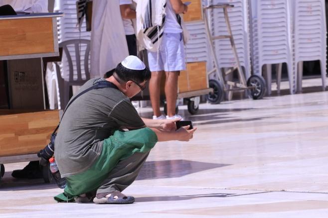 צפו: התיירים שמצלמים את הכותל המערבי
