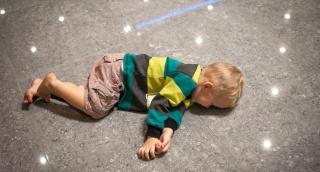 הילד משתטח על הרצפה בסופר? כך תעשו