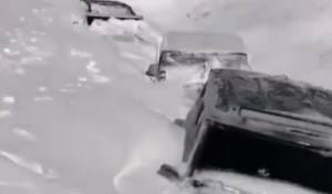 סוער בלבנון: שיירת הג'יפים נקברה בשלג