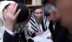היהודי נדהם: מרן מתגורר בבית המוזנח הזה?