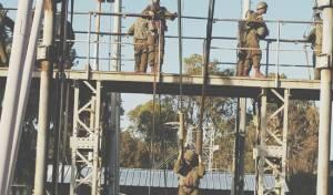 רגע לפני צניחה: האימון של החיילים החרדים