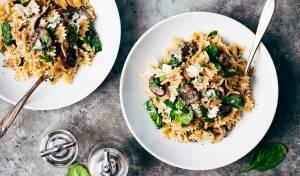 לאכול בבית, להרגיש במסעדה: פסטה פפרדלה ברוטב פטריות - לאכול בבית, להרגיש במסעדה: פסטה פפרדלה