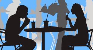 מחקר: גברים מבזבזים כסף על אוכל יותר מנשים
