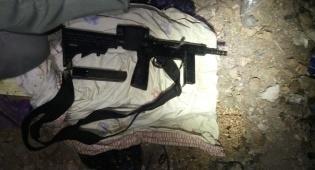 נשק 'קרלו' שנתפס - התפיסה הלילית: נשק, כסף ו-23 מבוקשים