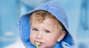 חיוך של ילד מצוחצח. קולגייט. אילוסטרציה - חודש בריאות הפה: אין כמו חיוך של ילד מצוחצח