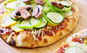 פיצה פיתה עם ירקות בגריל תוך חצי שעה - ארוחה בחצי שעה: פיצה-פיתה עם ירקות בגריל