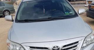 הרכב הגנוב - ניסה להבריח את הרכב במחסום ונעצר מיד