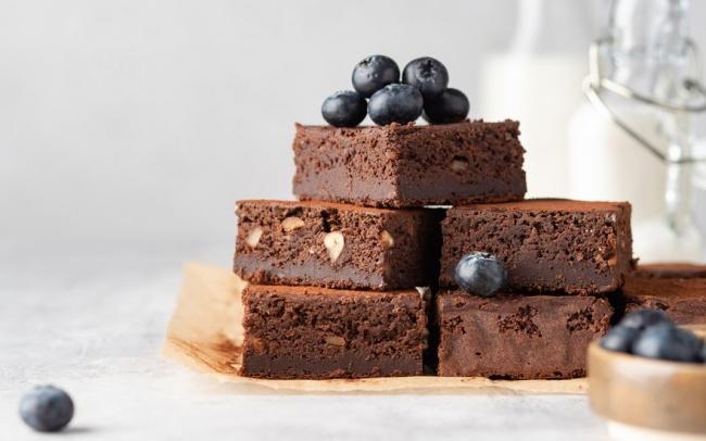 עוגת פאדג' שוקולד עם שברי עוגיות