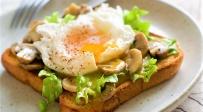 ביצת עין כמו בבית קפה - צפו: איך להפוך ביצת עין כמו מקצוענים