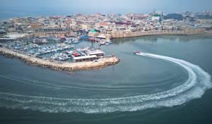 מבט מלמעלה על העיר עכו העתיקה והנמל