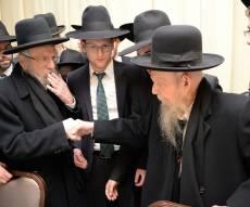 """האחים בלחיצת יד - התיעוד האחרון של הגר""""י אדלשטיין. צפו"""