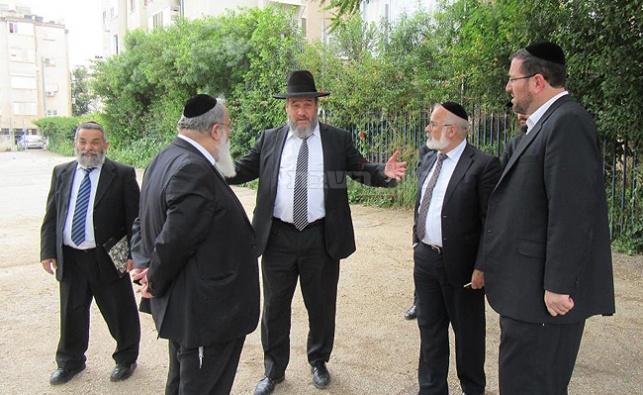 הרב סורוצקין בביקור ב'בית יעקב'