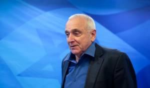 אהרונוביץ' נגד שקד: לא תכנס לנעלי