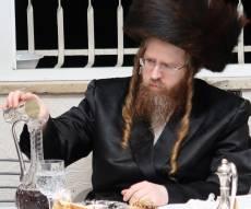 לצורך מנוחה: הרבי משומרי אמונים שבת בירושלים
