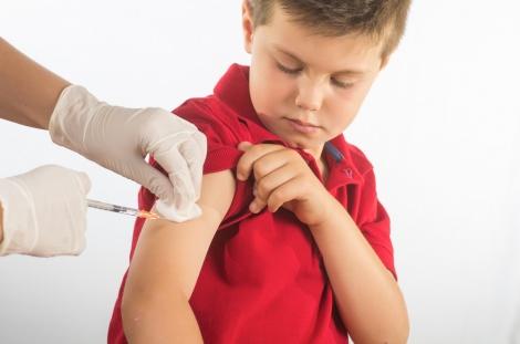 """טענות נגד פיילוט חיסוני השפעת בביה""""ס"""