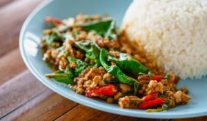 טייק אוויי תאילנדי תוצרת בית