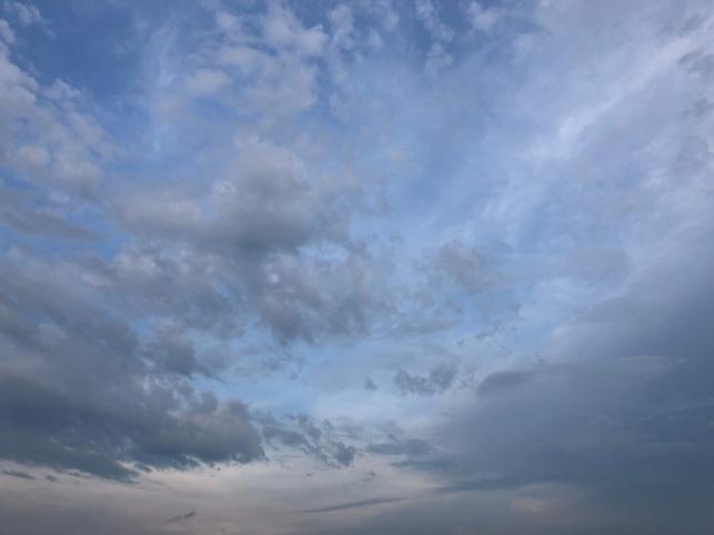 התחזית: התקררות קלה עם גשם מקומי קל