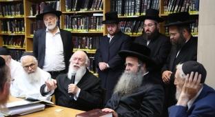 הרב זילברשטיין בשיעור מיוחד.