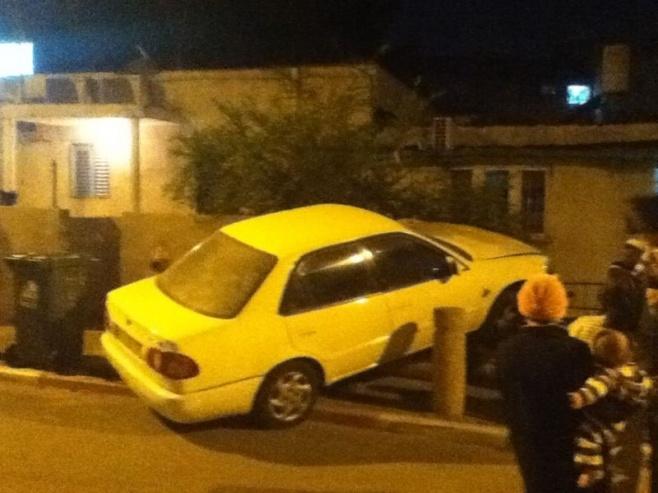 """ב""""ב: רכב עלה על הגדר, אין נפגעים"""