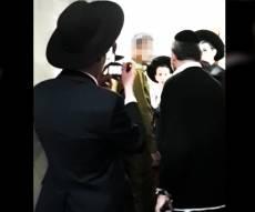בני ברק: אברך הפריע לחייל להתפלל - וגורש