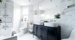 זייפו, עד שתצליחו: טריק להגדלת מראה חדר האמבטיה