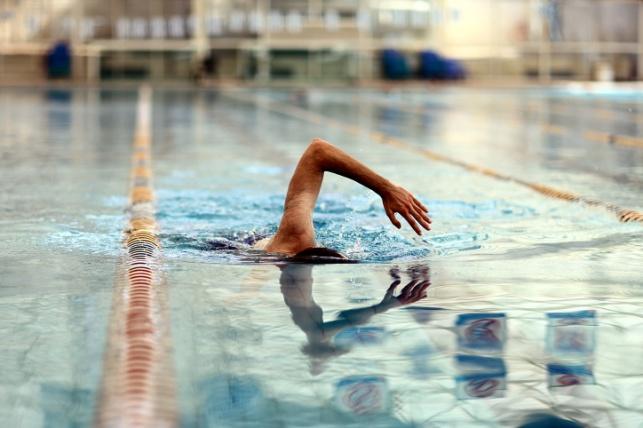 לימודי שחייה מסובסדים לתלמידות