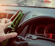 אילוסטרציה - קצין המשטרה זגזג עם הניידת כשהוא שיכור