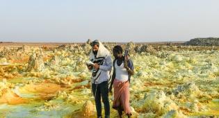שחרית במדבר החם ביותר בעולם • תיעוד