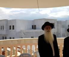 הרב רפאל כהן על רקע הסמינר החדש