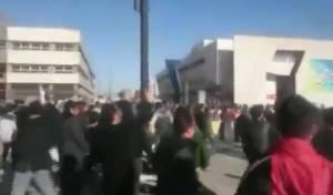 """קריאות """"מוות לרוחאני"""" בחוצות איראן • צפו"""