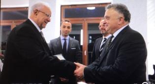 הענקת האות בידי שגריר ישראל בגרמניה - ערבי ראשון קיבל תואר 'חסיד אומות העולם'