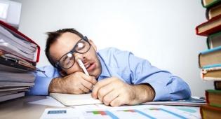 מדוע אחרי שינה ארוכה אנחנו עדיין עייפים?