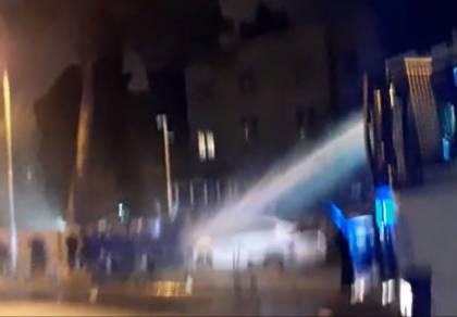 מפגינים ושוטרים התעמתו; 3 נעצרו • תיעוד