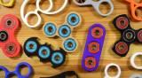 ספינרים - הצעצוע שפותח לאוטיסטים וכבש את ילדי העולם