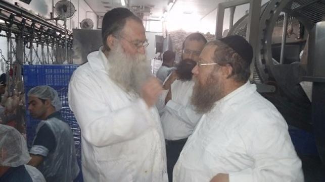 """הרב נחום יברוב (משמאל) עם יבדלח""""א רבה של בני ברק הרב שבח רוזנבלט"""